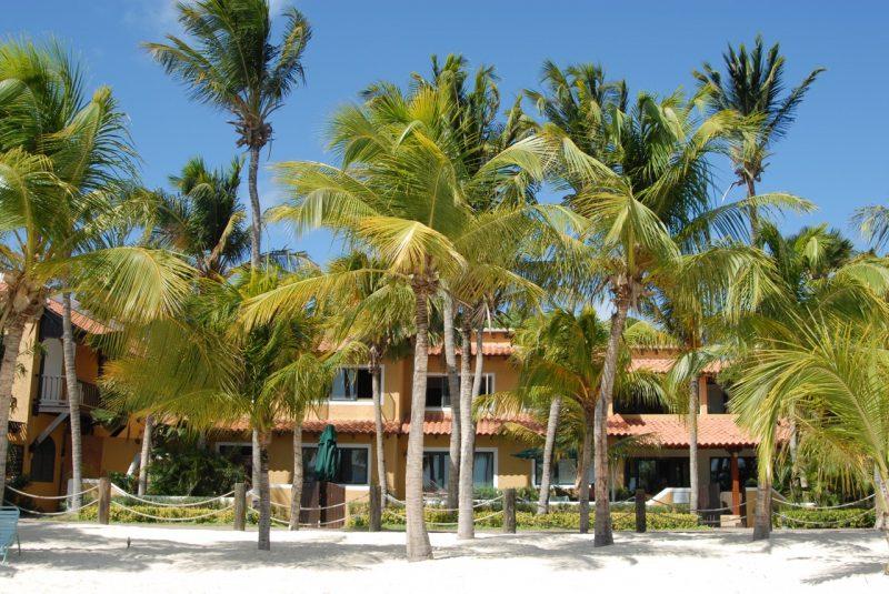 Harbour Village Beach Club
